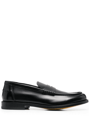 Doucal's almond-toe penny loafers - Black
