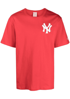 Champion chest logo-patch T-shirt - Red