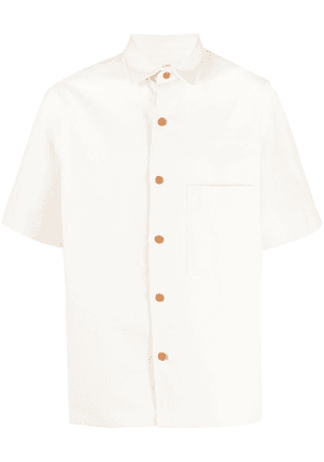 Closed chest-patch short-sleeved shirt - Neutrals
