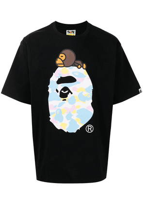 A BATHING APE® graphic-print short-sleeved T-shirt - Black