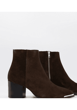 ASOS DESIGN Wide Fit heeled chelsea boots with pointed toe in brown suede with metal toe cap
