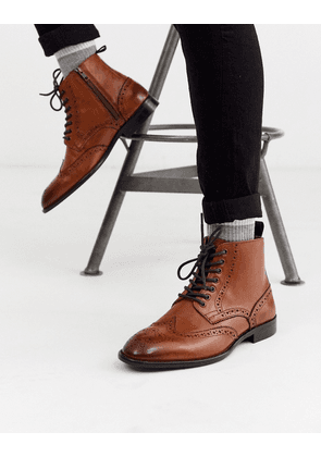 ASOS DESIGN brogue boots in tan leather with natural sole-Brown