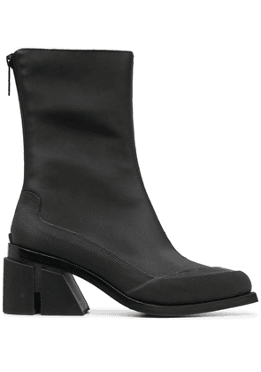 Both pointed-toe boots - Black