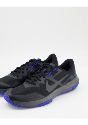 Nike Varsity Compete 3 trainers in black and blue