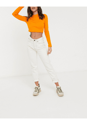 Noisy May mom jeans with high waist relaxed fit in ecru-White