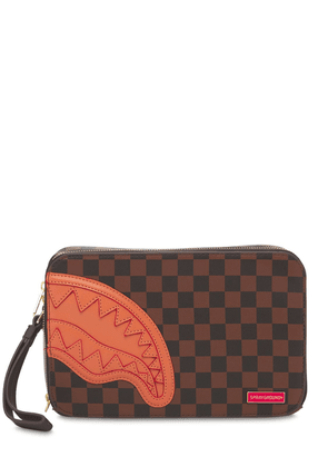 Henny Checkered Toiletry Bag