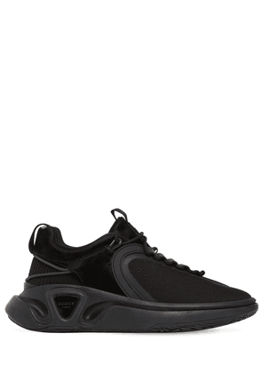 Runner Tech Mesh Low Top Sneakers