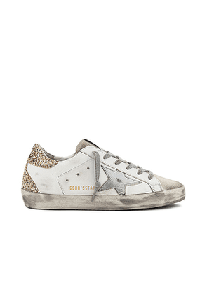 Golden Goose Superstar Sneaker in White. Size 38, 39, 40, 37, 35.