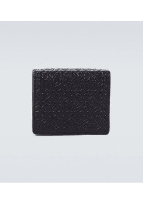 Compact zipped wallet