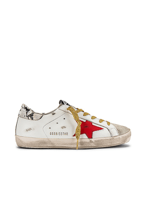 Golden Goose Superstar Sneaker in White. Size 35, 37, 38, 39.
