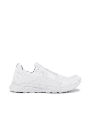 APL: Athletic Propulsion Labs TechLoom Bliss Sneaker in White. Size 8.5.