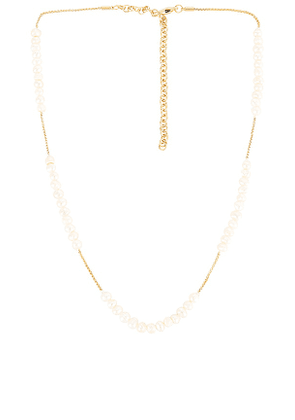 Amber Sceats Pearl Necklace in Metallic Gold.
