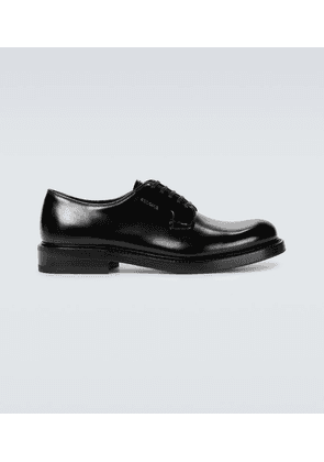 Brushed leather shoes