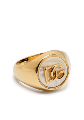 Dolce & Gabbana logo-plaque pearl-detail ring - Gold