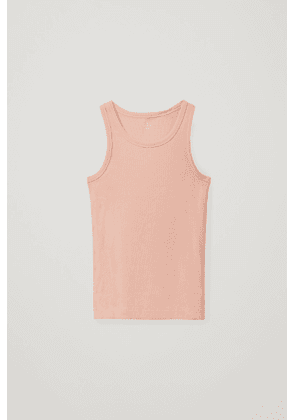 FITTED VEST TOP