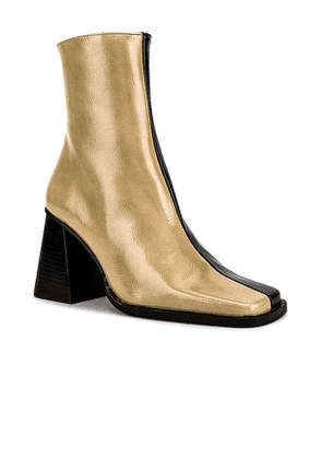 ALOHAS South Bicolor Boot in Beige. Size 37.