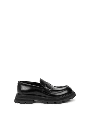 Alexander McQueen Black Glossed Leather Loafers