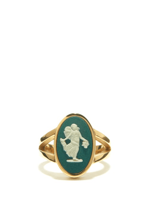 Ferian - Dancing Hours Wedgwood Cameo & Gold Signet Ring - Womens - Green White