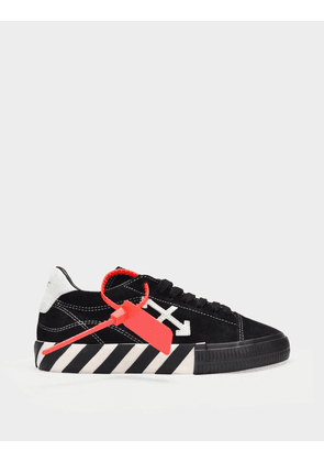 Off-White Sneakers New Arrow Low Vulcanized in White and Black Calfskin