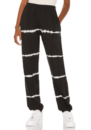 STRUT-THIS Enzo Jogger in Black. Size S, M, L.