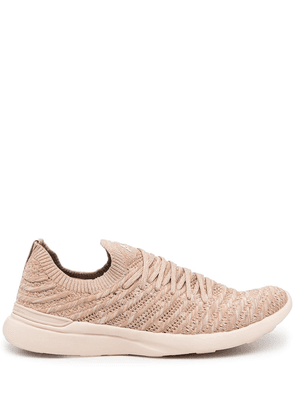 APL: ATHLETIC PROPULSION LABS sock style sneakers - Pink