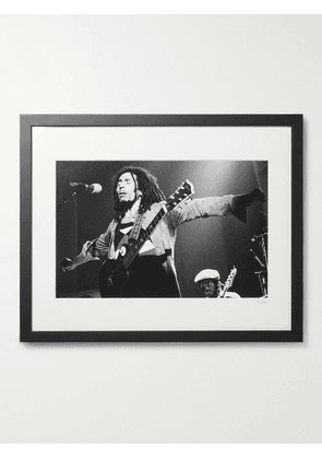 """Sonic Editions - Framed 1976 Bob Marley Live at The Hammersmith Odeon Print, 16"""" x 20"""" - Men - Multi"""