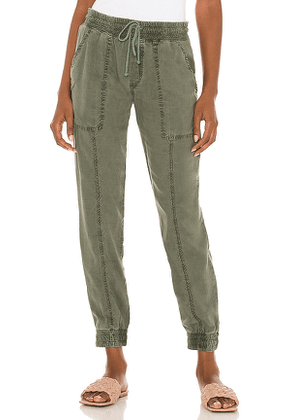 Bella Dahl Seamed Pocket Jogger in Army. Size XS.