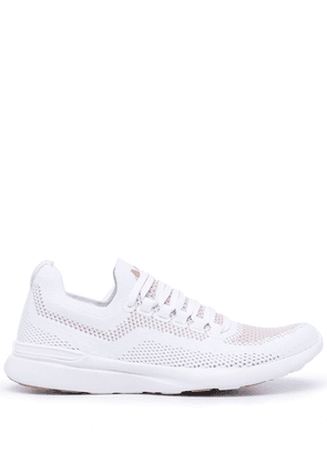APL: ATHLETIC PROPULSION LABS Techloom Breeze low-top sneakers - White