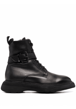 Doucal's leather combat boots - Black