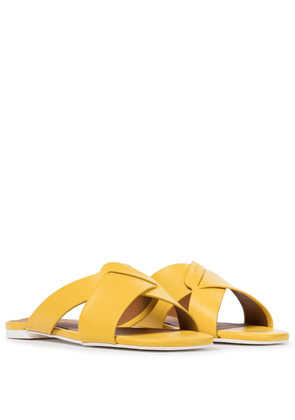 Issy leather slides