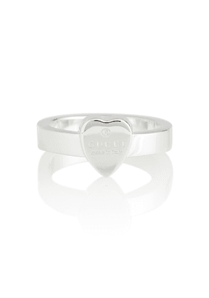 Heart-detail sterling silver ring