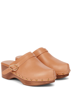 Classic Closed leather clogs