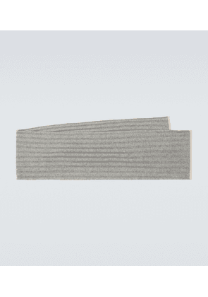 Ribbed cashmere scarf