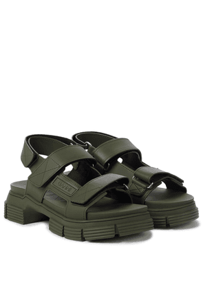 Recycled rubber trekking sandals
