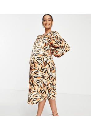 Queen Bee Maternity long sleeve dress in abstract animal-Brown