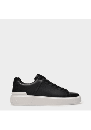 B Court Sneakers in Black Leather