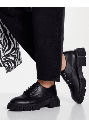 New Look chunky brogue in black