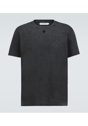 Embroidered hole T-shirt