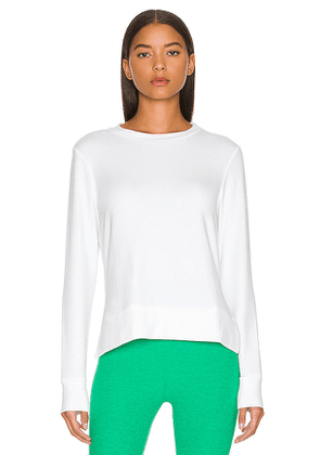 Beyond Yoga Side Slit Long Sleeve Pullover in White. Size S, M, L.