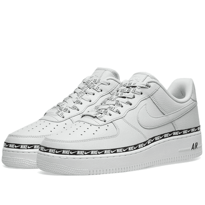 quality design e10d3 5db40 Women s Nike Air Force 1  07 SE Premium Silver, Black   hite    MILANSTYLE.COM